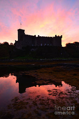 Dunvegan Castle At Dawn Art Print