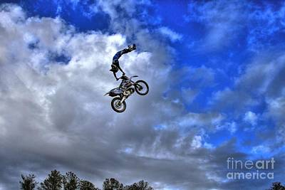 Photograph - Durhamtown Plantation Ray Bennett Flying High2 by Reid Callaway
