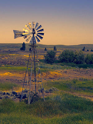 Dusk On The Prairie Art Print by Daniel Hagerman