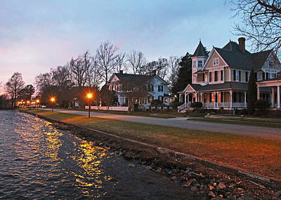 Colonial Photograph - Dusk On Water Street by Ginny Gillam