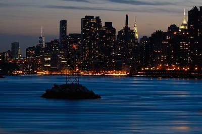 Photograph - Dusky Nyc Skyline by Mark Garbowski