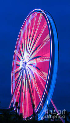 Photograph - Dusky Skywheel by Gene Berkenbile
