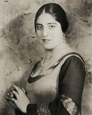Hand Embroidery Photograph - Dusolina Giannini With Her Hands Clasped by Nickolas Muray
