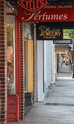 Photograph - Duval Street Shopping by Bob Slitzan