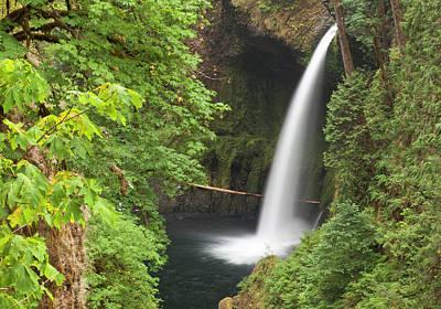 Eagle Creek Flows Over Loowit Falls Art Print