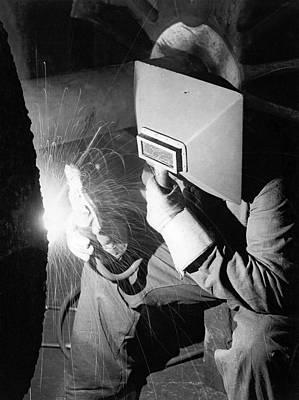 Arc Welder Photograph - Early Arc Welder by Underwood Archives