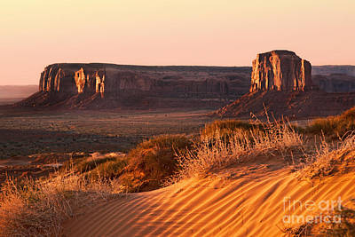 Early Morning In Monument Valley Art Print by Jane Rix