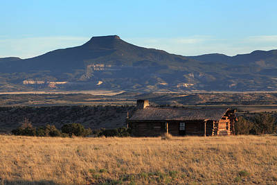 Photograph - Early Morning Light On Cerro Pedernal At Ghost Ranch by Alan Vance Ley