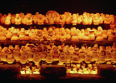 Peru Photograph - Earthen Pots From Lord Of Sipan's Tomb by Pasquale Sorrentino/science Photo Library