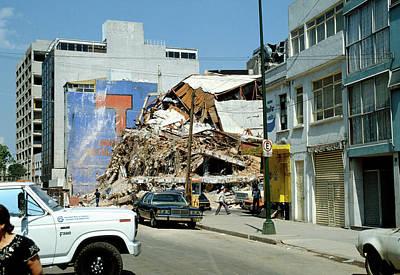 Earthquake In Mexico City 19/9/85 Art Print