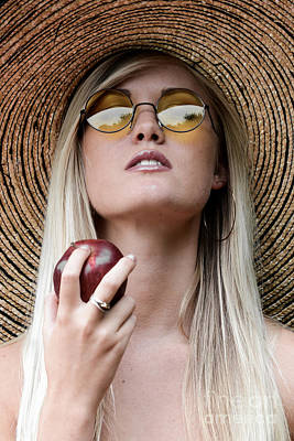 Glamour Optics Photograph - Eat Healthy And Look Beautiful by Jt PhotoDesign