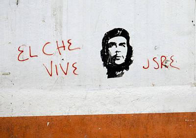 Photograph - Ecuador Street Art Che by Kurt Van Wagner