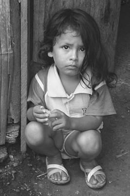 Photograph - Ecuadorian Girl by Paul Miller