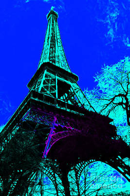 Eiffel 20130115v4 Print by Wingsdomain Art and Photography