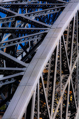 Photograph - Eiffel Hands by Edgar Laureano