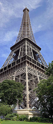 Eiffel Tower Art Print by Gary Lobdell