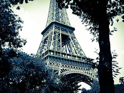Photograph - Eiffel Tower In Blue by Ronda Broatch