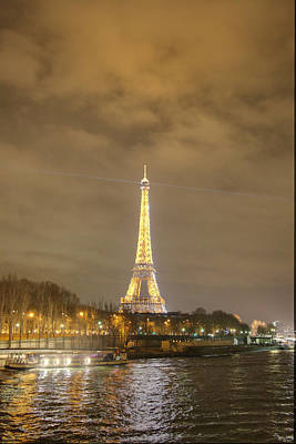 Eiffel Tower - Paris France - 011342 Art Print