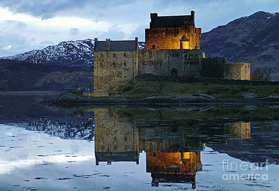 Photograph - Eilean Donan Castle At Dusk by Phil Banks