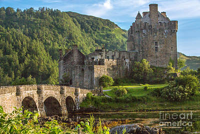 Eilean Donan Castle  Art Print by Iris Richardson