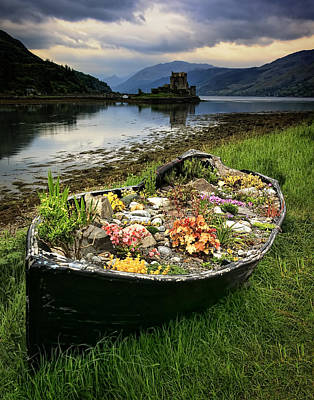 Photograph - Eilean Donan Castle by Ray Kent
