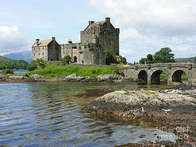 Eilean Donan Castle - Summer Art Print