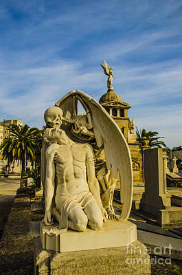 Photograph - El Beso De La Muerte 1 by Deborah Smolinske