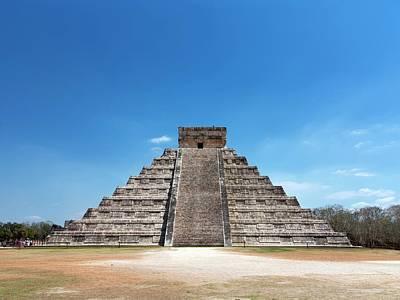 Maya Civilization Photograph - El Castillo by Daniel Sambraus