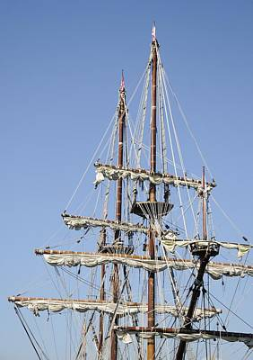 Photograph - El Galeon Masts by Bradford Martin