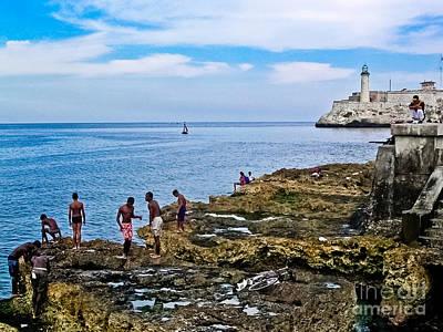 Photograph - Cuba - El Malecon De La Habana by Carlos Alkmin