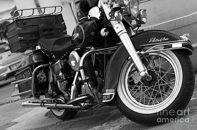 Photograph - Electra Glide Classic by Graham Hawcroft pixsellpix