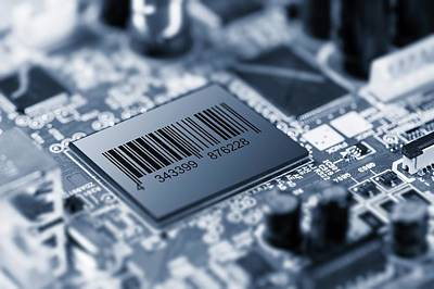 Electronic Component Photograph - Electronic Chip by Wladimir Bulgar