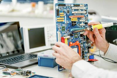 Electronics Photograph - Electronic Equipment by Wladimir Bulgar