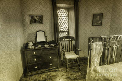 Photograph - Elegant Bedroom by Ian Mitchell