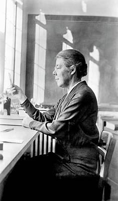 Rebecca Photograph - Elizabeth Laird by Emilio Segre Visual Archives/american Institute Of Physics