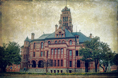 City Hall Photograph - Ellis County Courthouse by Joan Carroll