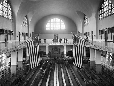 Carousel Collection Photograph - Ellis Island Great Hall by Granger