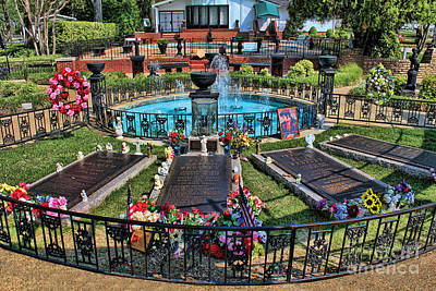 Photograph - Elvis Presley Burial Site by Carlos Diaz