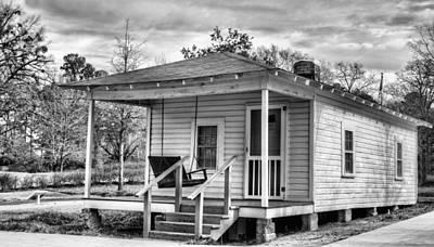 Childhood Home Photograph - Elvis Presley's Boyhood Home by JC Findley