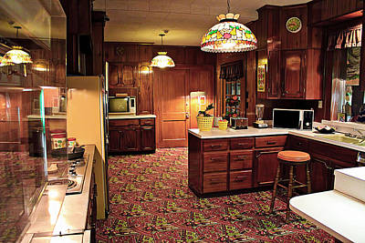 Photograph - Elvis Presley's Kitchen by Carlos Diaz