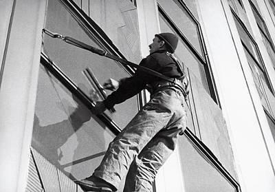 Vertigo Photograph - Empire State Window Washer by Underwood Archives