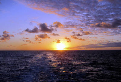 Photograph - Hawaiian End Of Day by Bob Slitzan