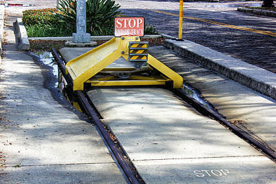 Photograph - End Of The Line by Robert Palmeri