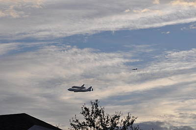 Photograph - Endeavor Morning Flyover 10 by Russell Libonati