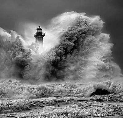 Enduring The Elements Bw Print by Veselin Malinov