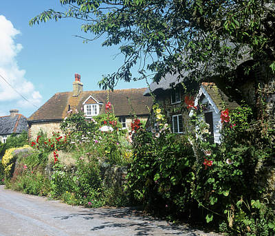 Photograph - English Country Cottage by Christopher Rees