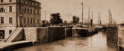 Sault Ste Marie Drawing - Entering Poe Lock by Litz Collection