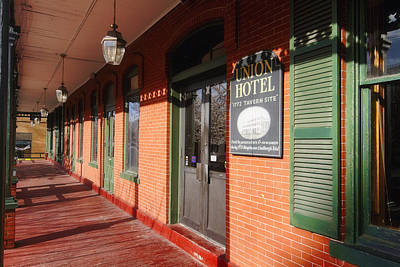 Haunted Places Photograph - Entrance Of The Union Hotel by George Oze