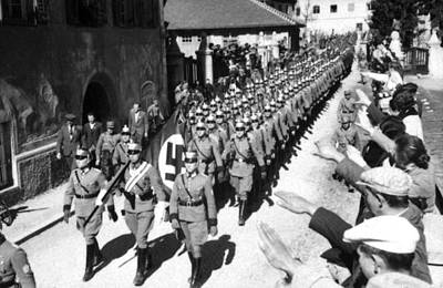National Socialism Photograph - Entry Of German Police Into Tirol by Everett
