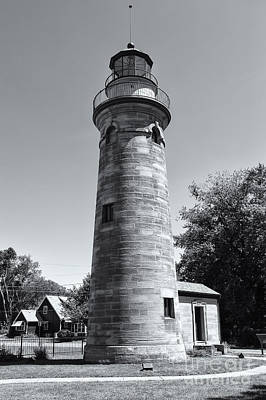 Photograph - Erie Land Lighthouse II by Clarence Holmes